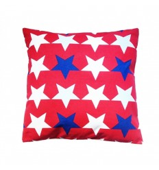 Cojin infantil lavable. Diseño Estrellas Rojo. 40x40 cms